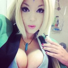 I've seen a lot of Tsunade Cosplayers but this one is probably one of the best out there. I'm sure of it! I'm desperately checking other pics of hers but it seems that this is the only one I've got. I've seen cosplayers who've done a great deal cosplaying Tsunade but nothing beats this!