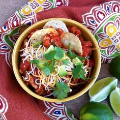 Margarita Turkey Chili - a tequila & lime flavored chili to beat the winter blues Chili Recipes, Turkey Recipes, Soup Recipes, Healthy Recipes, Skinny Recipes, Lunch Recipes, Smoothie Recipes, Delicious Recipes, Margaritas