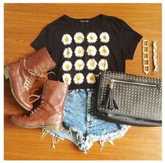 Summer Outfit: Daisy Crop Top with combat boots and high wasted shorts