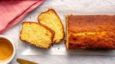 Makkelijke salted caramel cake met gecondenseerde melk - Culy.nl Cake Cookies, Cupcake Cakes, Serrano Ham, Salted Caramel Cake, Cornbread, Sweet Recipes, Food And Drink, Sweets, Cooking