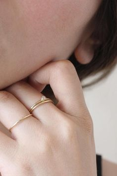 Classic elevated rings, essential for your everyday. | Vrai & Oro