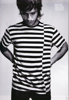 #GarciaBernal #stripes #style #menswear #looks #mood #trend #fashion #beard #casuals #tee