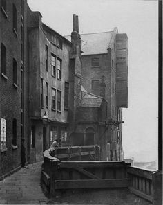 St Mary Overy's Dock, Southwark, This photograph was commissioned by the Society for Photographing Relics of Old London to form part o. London Pictures, London Photos, Old Pictures, Old Photos, Vintage Photos, Victorian London, Vintage London, Victorian Era, Old London