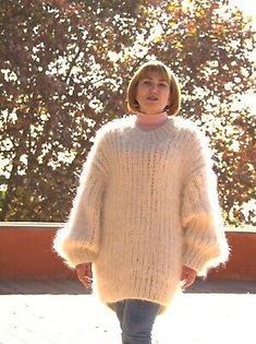 Vintage Women/'s Cream Sweater With Flower and Bird Yarn Design Size Large