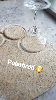 Polarbrød – Fru Haaland Veggie Recipes, Baby Food Recipes, Fall Recipes, Baking Recipes, Yummy Drinks, Yummy Food, Norwegian Food, Fabulous Foods, Bread Baking