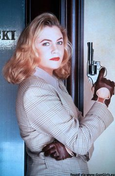 Warshawski publicity stills and other photos. Featuring Kathleen Turner, Charles Durning, Jay O. Kathleen Turner, Killer Legs, 90s Movies, Classic Suit, Tough Girl, Boy Photos, Movie Photo, Boy Hairstyles, Leather Gloves