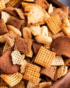 Always a crowd pleaser, this bold and zesty chex mix recipe is made SO simply, right in the crockpot! Great for any party, and easy to customize! Crock Pot Recipes, Chex Recipes, Snack Mix Recipes, Crock Pot Cooking, Spicy Recipes, Slow Cooker Recipes, Gourmet Recipes, Appetizer Recipes, Cooking Recipes