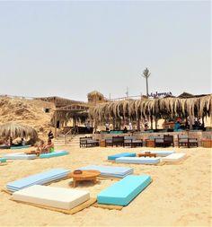 Hurghada Strand Mahmeya Strand, Sandstrand Hurghada Hurghada Urlaub, Urlaub Tipps am Roten Meer Ägypten Urlaub, Strand, Sandstrand, Strandbar orientalische Bar am Meer Rotes Meer #ägypten #urlaub #orientalisch #strand #strandbar #bar #sandbar #sandstrand #direktammeer #rotesmeer #redsea Tolle Hotels, Hurghada Egypt, Pool Furniture, Egypt Travel, Am Meer, Red Sea, Romantic Getaways, Snorkeling, Sailing