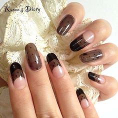 Black laces and see-through #nails