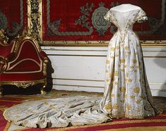 Coronation Gowns And Trains | 1860 Coronation dress of Louise of Sweden (Royal Armory and Hallwyl ...