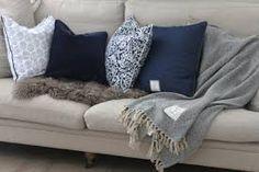 Bilderesultat for mørkeblått kjøkken Blanket, Bed, Home, Stream Bed, Ad Home, Blankets, Homes, Beds, Cover