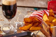 Tökéletes sült krumpli • Fördős Zé Magazin Red Wine, Alcoholic Drinks, Food Porn, Dinner, Recipes, Applique, Christmas, Dining, Xmas