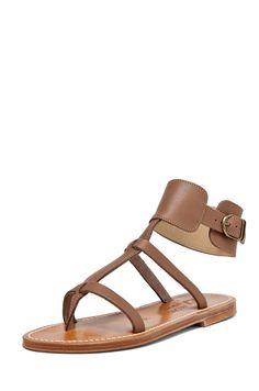 93223e56c4b6be 28 meilleures images du tableau Shoesing | Plat été, Sandales plates ...