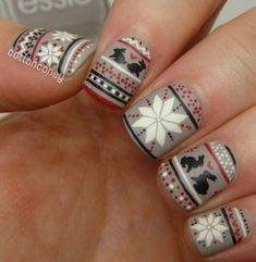 15 Ugly Christmas Sweater Nails - Intricate designs of winter.
