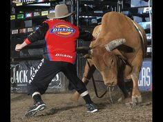 Shorty Gorham doing what he does best. Andy Watson/Bullstockmedia.com   pbr.com