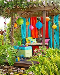 Would love to have this fun and cheerful backyard Photo via #pinterest #bohemiandecor