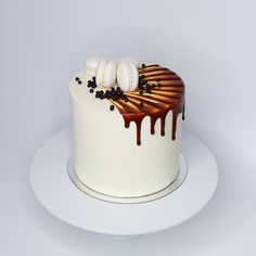 Ideas for cupcakes cakes salted caramels Caramel Drip Cake, Salted Caramel Cake, Salted Caramels, Cake Decorating Designs, Cake Designs, Cake Cookies, Cupcake Cakes, Bolo Cake, Birthday Cake Decorating