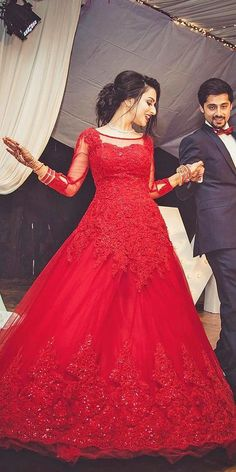 Exciting Indian Wedding Dresses That Youll Love ★ indian red wedding dresses queen long sleeves shadesphotographyindia Indian Wedding Gowns, Indian Bridal Lehenga, Indian Gowns Dresses, Red Wedding Dresses, Bridal Dresses, Red Gowns, Party Dresses, Red Dress Outfit Wedding, Indian Reception Dress