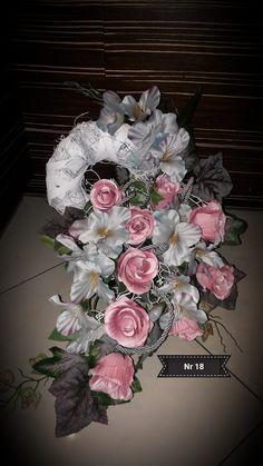 Kompozycja nagrobna 2017 wyk. Sylwia Wołoszynek Funeral, Floral Wreath, Ornament, Wreaths, Flowers, Decor, Wooden Hearts, Floral Arrangements, Artificial Flowers
