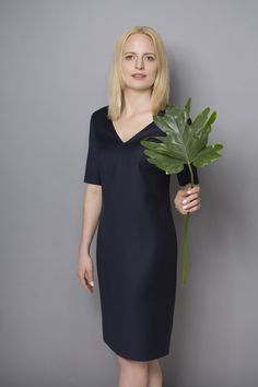 DRESS CODE NAVY BLUE #navyblue #dress #dresscode #natural #wool #monstera #leaf