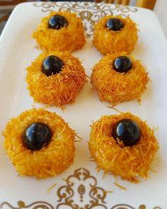 Kadayıf Topları Tarifi Middle Eastern Recipes, Recipe Images, Pineapple, Food And Drink, Fruit, Eat, Desserts, Cooking, Tailgate Desserts