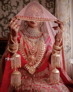 Indian Bridal Photos, Indian Bridal Outfits, Indian Wedding Hairstyles, Indian Bridal Fashion, Bridal Dresses, Bridal Poses, Bridal Photoshoot, Indian Wedding Bride, Indian Weddings