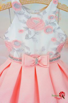 Fashion Kids Rock Girls Ideas For 2019 - Diy Crafts Little Girl Dresses, Flower Girl Dresses, Kids Dress Patterns, Kids Frocks, Baby Gown, Kids Wear, Cute Dresses, Toddler Girl, Kids Outfits
