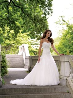 Wedding dresses and bridals gowns by David Tutera for Mon Cheri for every bride at an affordable price | Gallery
