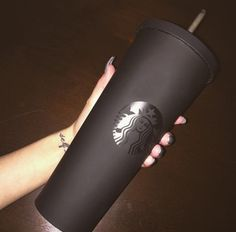 bag black coffee starbucks coffee mug coffeee mug Starbucks Tumbler, Starbucks Drinks, Starbucks Coffee, Coffee Shop, Coffee Mugs, Milky Way Photography, Secret Menu Items, Cute Water Bottles, Caffeine Addiction