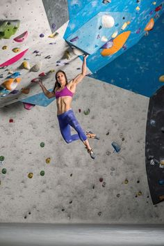 Climbing Alex Puccio Earth Treks Bouldering Rock all the climbing equipments in one place Rock Climbing Training, Rock Climbing Workout, Climbing Girl, Sport Climbing, Climbing Clothes, Climbing Holds, Alex Puccio, Parkour, Indoor Climbing