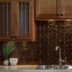 Fasade Backsplash Panels Transform An Ordinary Kitchen Or Bathroom Into A Stylish Space Decorative Thermoplastic Backsplash Panels For Use In Kitchens And