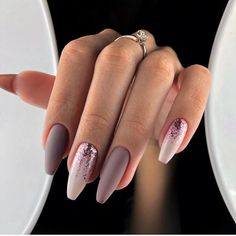 How to succeed in your manicure? - My Nails Aycrlic Nails, Matte Nails, Nail Manicure, Manicures, Hair And Nails, Claw Nails, Cute Acrylic Nails, Acrylic Nail Designs, Nail Art Designs