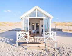 This Summer, we're going to sleep in a little wood house on the Hague beaches of Kijkduin. We've booked a bungalow on the sand, between the Northern Sea and Surf Shack, Beach Shack, Beach Cottage Style, Coastal Cottage, Coastal Homes, Home Beach, Tiny Beach House, Beach Houses, Beach Cottages