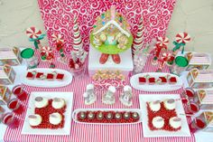 Bird's Party Blog: Gingerbread House Decorating Party