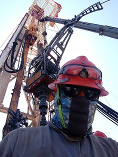 The Marketplace to Buy & Sell Drilling and Oilfield Equipment! Water Well Drilling, Drilling Rig, Underwater Welding, Oil Rig Jobs, Scammer Pictures, Water Poster, Oil Platform, Gas Company, Oil Refinery