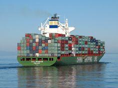 Las principales rutas marítimas mundiales comunican los puertos de Europa occidental con la costa Este Norteamericana de Estados Unidos y Canadá, y en segundo lugar, con el Sureste Asiático (ya sea a través del Canal de Suez ya sea a través de rutas alternativas). #maritima #rutas