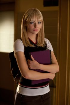 "Emma Stone as Gwen Stacy in ""The Amazing Spider-Man"" looks awesome Emma Stone Age, Emma Stone Gwen Stacy, Ema Stone, Actress Emma Stone, Kim Jisoo, Amazing Spiderman, Gwen Spiderman, Celebs, Celebrities"