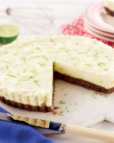 Tangy, zesty and creamy. This Key Lime Pie recipe is all three. Key Lime Pie Recipe No Bake, Keylime Pie Recipe, Easy Desserts, Delicious Desserts, Dessert Recipes, Key Lime Pie Uk, Aldi Recipes, Recipies, Chocolate Peanut Butter Brownies