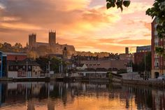 Lincoln's Brayford Waterfront is England's oldest inland Harbour and offers a wide range of eating, drinking and entertainment venues. Lincoln England, Lincoln Uk, Lincoln Cathedral, Cathedral City, Places In England, Great Britain, Places To See, Sunrise, Beautiful Places