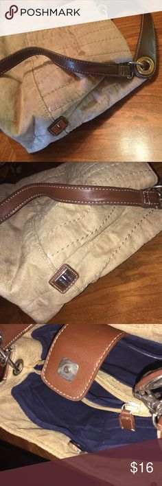 Vintage Tommy Hilfiger purse shoulder bag Tan Vintage, from the late 80's or 90's. Tommy Hilfiger authentic purse. No rips or marks, great condition! Suede like material outer, cloth Navy lining, plenty of compartments! Detachable strap. Metal Hilfiger on side. Tommy Hilfiger Bags Shoulder Bags