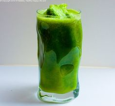 handful of spinach  a few pinches of parsley  2 celery stalks or cucumber  1 large organic green apple  1 Tbsp ginger  1 lemon  dash of cayenne