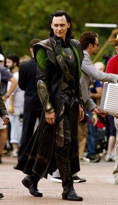 Tom Hiddleston on the set of Avengers in NY (September 2012). Source: https://www.flickr.com/photos/sanandedits/7952948142/in/photolist-d7LWpy-j6kdKw-qQXyR9-giPodp-eCfvje-bVYXk8-fehY5e-fexoxm-feJYN1-fei5xB-feuZca-fexcBw-feuHGi-fkuR6u-c2e6jy-fexagY-fei38k-fgbTit-fehSYR-c2e6fm-esp2z1-feuRt4-pWyYKG-c2e6AL-fexhwW-ddx2Gg-ddx49j-ddx3hH-dLR9nK-ddx2Zr-feK8zC-fexmsb-afydVT-bXBVts-ho2bZt-aGrP5B-d8dJLh-dDgr3Z-dmsadw-fnN4Dw-dXEZQj-ckqp3E-d9V3Af-d9V3mD-d9V4zG-d9V2NC-d9V31X-d9V4cc-aGrP5T-fL3P3s Photoset…