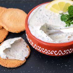 Koolhydraat-bewust – De K van Koken Toast, Hummus, Feta, Camembert Cheese, Low Carb, Healthy, Ethnic Recipes, Boursin, Salad