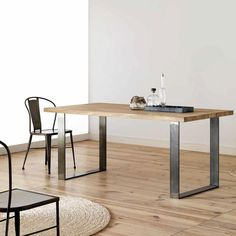 31 Of The Most Brilliant Modern Dining Table Design Ideas - Cozy Decoration Modern Dining Room Tables, Dining Table Design, Dinning Table, Modern Table, Oak Table, Table And Chairs, Metal Furniture, Furniture Design, Mesa Metal