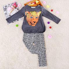 Купить товарРозничная 2015 новых одевая ребенка Kid одежда детская одежда полный рукавом леопард брюки, 2 шт. комплект, 3 цвет CG114 в категории Комплекты одеждына AliExpress.         Новый Детский Рождественский мужской одежде Санта Клауса одежда/наборы, мальчики рождественские костюмы, Хэллоуи