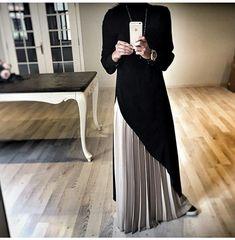 Abaya Style 751186412830042627 - Nobel – Source by Muslim Dress, Hijab Dress, Abaya Fashion, Fashion Dresses, Modest Fashion, Islamic Fashion, Muslim Fashion, Skirt And Top Set, Mode Hijab