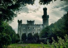 From castles cursed by murderous spirits to asylums and gaols haunted by former inmates, join us on a tour of the most haunted places in the Emerald Isle.