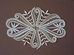 Bobbin Lace Patterns, Lace Heart, Point Lace, Lace Jewelry, Pattern Art, Crochet Lace, Lace Detail, Fiber Art, Butterfly