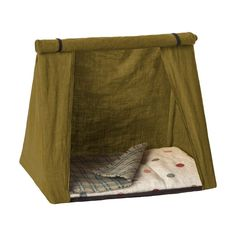 Now your Maileg friends can come along on all your camping adventures! This camping tent is made of water resistant cotton and completely folds down - just like a real tent. Don't forget to pack your Maileg sleeping bag as well! Best Tents For Camping, Tent Camping, Camping Gear, Camping Hacks, Outdoor Camping, Camping Mattress, Camping Guide, Happy Campers, Camping Accesorios
