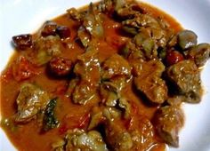 Tasty Chicken Liver Curry - Variation - Simply tempting - A very tasty liver curry cooked with masalas and tomatoes. You can do the Lamb Brain curry the same way. Chicken Liver Recipes, Onion Recipes, Curry Recipes, Indian Food Recipes, Chicken Marinades, Easy Cooking, Cooking Recipes, Healthy Recipes, Veg Recipes